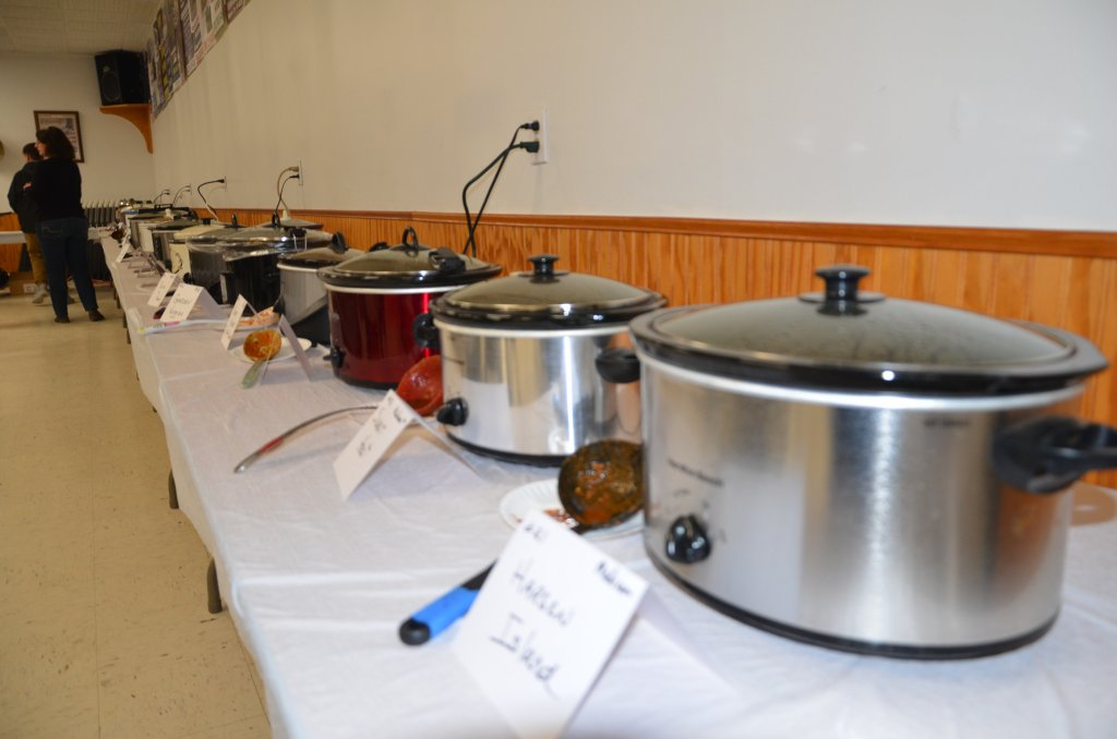 image-792088-chili_cookoff_pots.w640.JPG