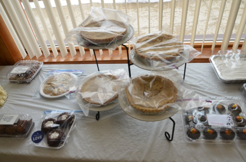 image-792094-chili_cookoff_2019_pies.w640.jpg